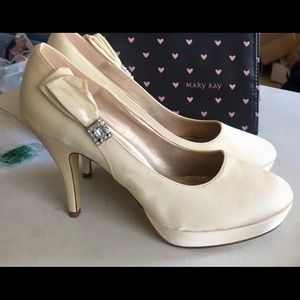 Unlisted champagne cream satin heels